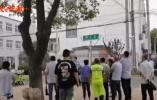 苏州街头一男子持刀行凶致1死4伤,目击者称其疑似服下农药
