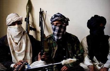 协议草案受到质疑 美国与塔利班继续谈判