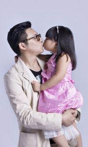 王岳伦和女儿