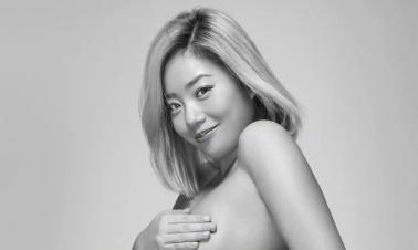 Pop idol Wang Ju covers the fashion magazine