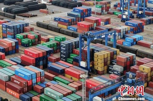 经济观察:密集降门槛 中国打造全球营商环境高地