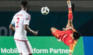 China men's soccer team advance to Asian Games last 16 as group winners