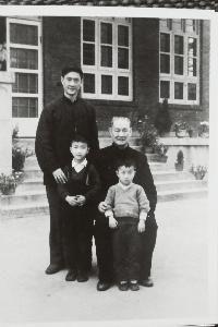 1959 年,程潜与儿子程元及孙辈在湖南住地