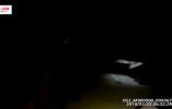 """【视频】法警从?#36739;?#37324;""""大变活人?#20445;?#19981;是魔术,是在抓老赖"""