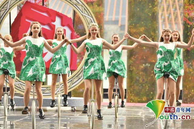 """""""欢动北京""""第八届国际青少年文化艺术交流周在京开幕"""