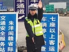 28歲交警因公犧牲:33.7噸貨車衝來,他推開了別人