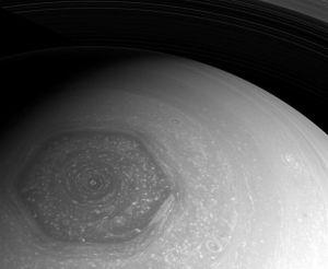 卡西尼号拍摄到的土星六边形风暴