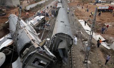 Seven dead, almost 80 injured in Morocco train derailment