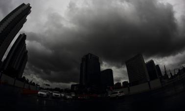 Typhoon Rumbia sweeps into E. China
