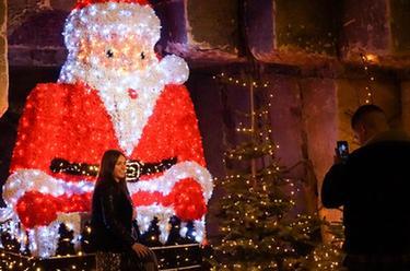 """荷兰:奇妙的""""洞穴圣诞市场"""""""