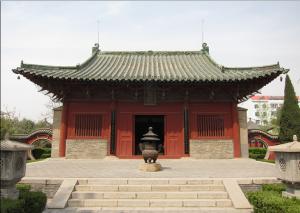 南宋关商庙大殿